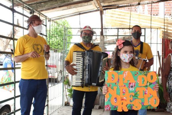 Dia do Nordestino é celebrado pela LBV com forró e alimentos para idosos