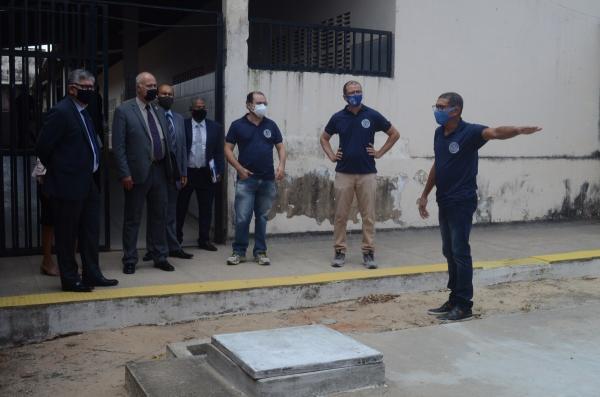 Escola Cívico-Militar Municipal Prof. Veríssimo de Melo recebe visita dos representantes dos Ministérios da Educação e da Defesa