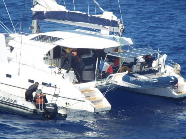 Resgate de tripulante do veleiro