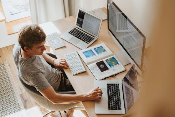 Estudo da IBM mostra que mudanças voluntárias de emprego e busca por capacitação podem ser maiores em 2021