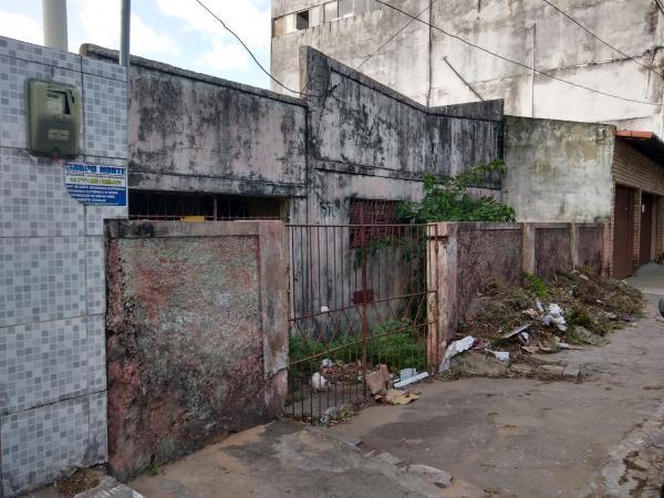 Prefeitura alerta proprietários para os cuidados em imóveis abandonados