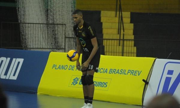 SELEÇÃO MASCULINA: Ponteiro Adriano Xavier é convidado para treinos no CDV