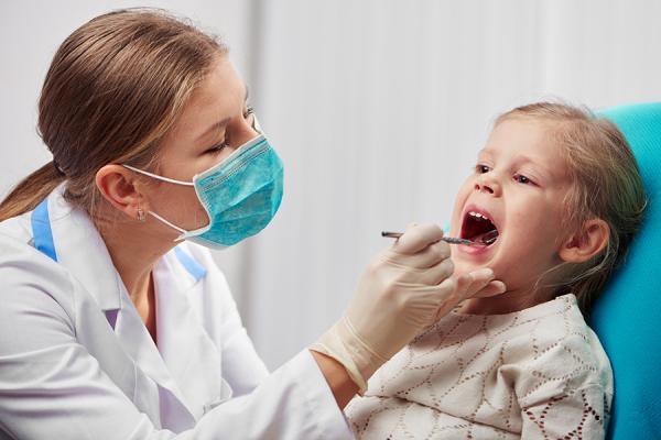 Cuidados odontológicos em pacientes com tumores no sistema nervoso central