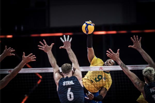 LIGA DAS NAÇÕES: Brasil bate os Estados Unidos por 3 sets a 0
