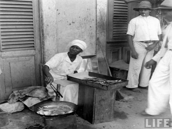 A Segunda Guerra Mundial:  Natal e a vendedora de peixe frito.