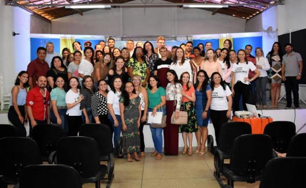 Felipe Guerra sedia Seminário Regional sobre Reintegração Familiar e recebe representantes de mais de 10 cidades do RN