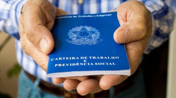 AGENDA ULTRALIBERAL DE PAULO GUEDES PROMETEU AUMENTO DA PRODUTIVIDADE DA ECONOMIA, MAS ENTREGA QUEDA