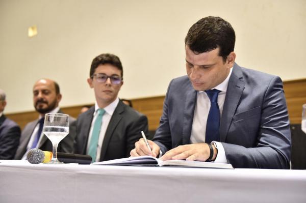 Marcos Vinicius inicia novo mandato como Defensor Geral do Estado