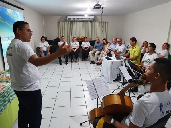 Projeto musical da Atitude Cooperação recebe visita de representantes da Iberdrola e do Instituto Neoenergia