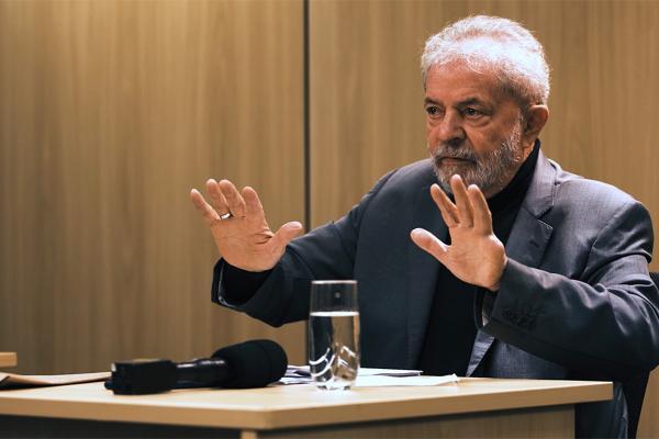 Glenn Greenwald entrevista Lula